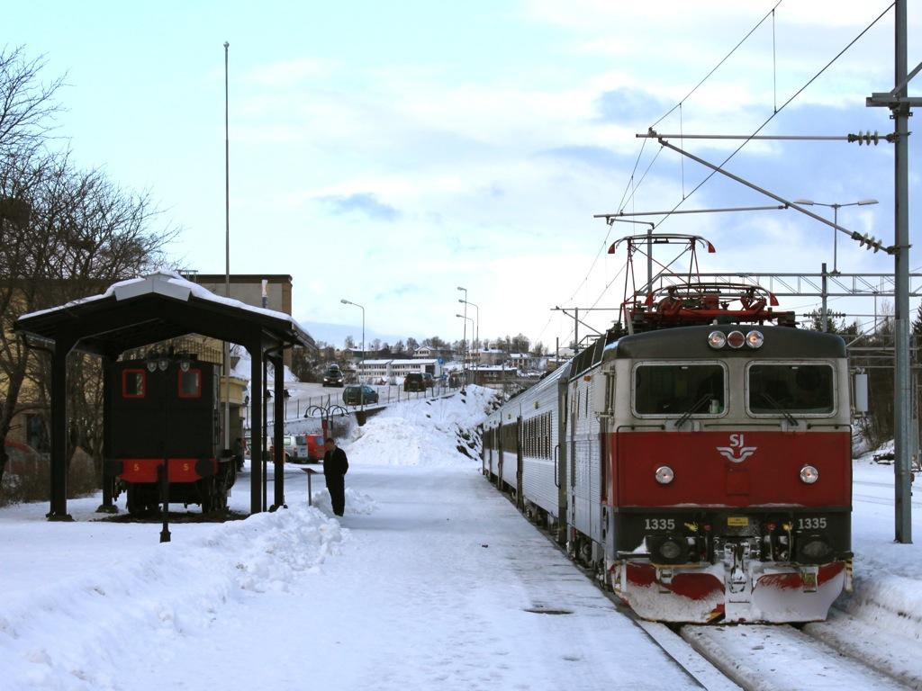 http://www.tram-und-bahnbilder.de/data/media/1169/IMG_9305.jpg