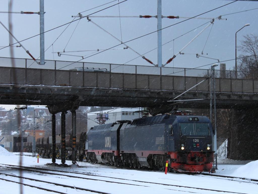 http://www.tram-und-bahnbilder.de/data/media/1169/IMG_9693.jpg