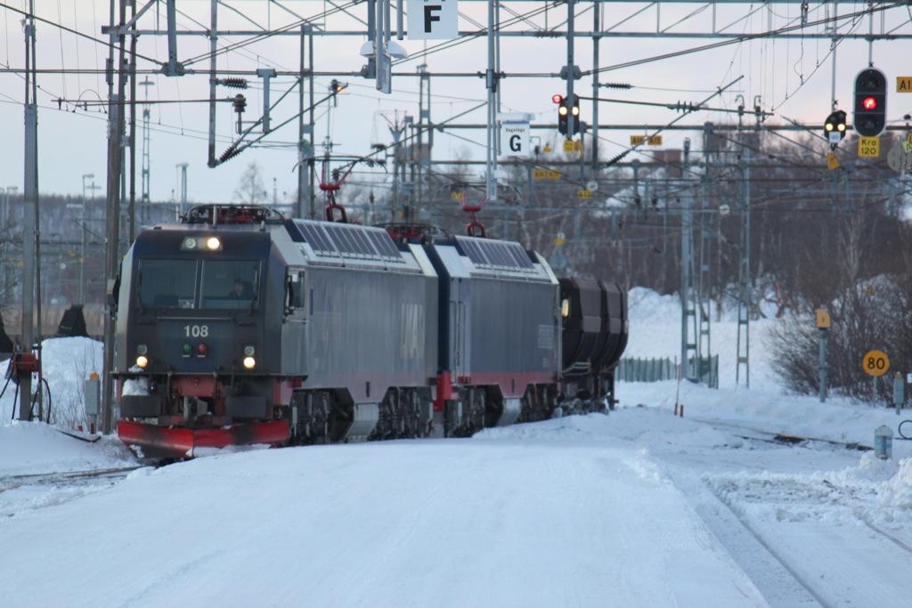 http://www.tram-und-bahnbilder.de/data/media/1438/IMG_9475.jpg