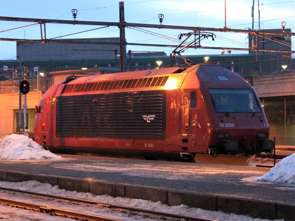 http://www.tram-und-bahnbilder.de/data/media/1490/IMG_8933.jpg