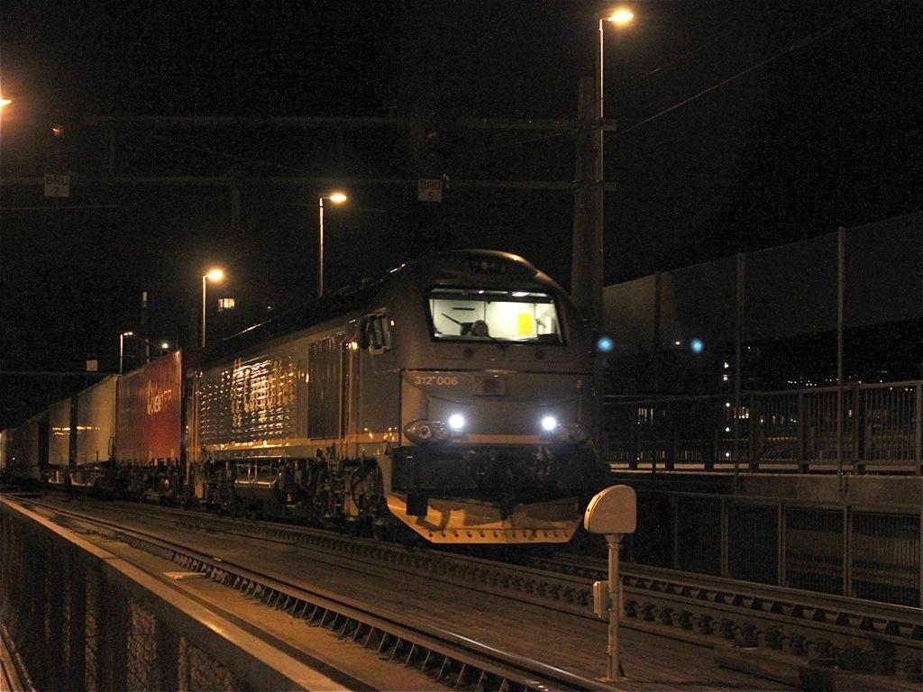 http://www.tram-und-bahnbilder.de/data/media/1491/IMG_0032.jpg