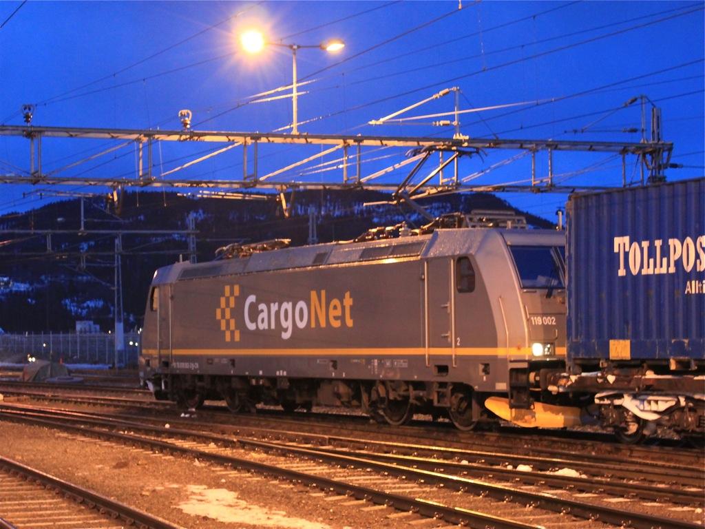 http://www.tram-und-bahnbilder.de/data/media/1491/IMG_8924.jpg