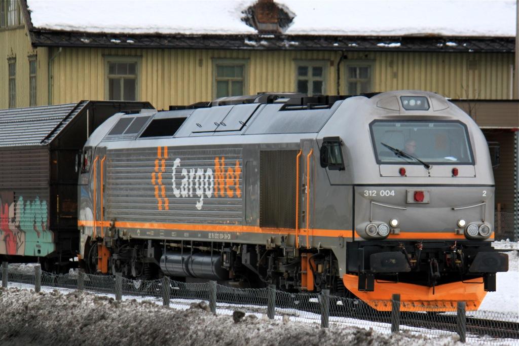 http://www.tram-und-bahnbilder.de/data/media/1491/IMG_9866.jpg