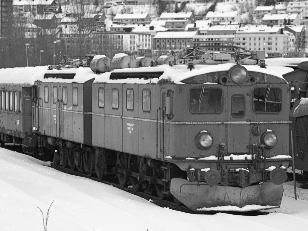 http://www.tram-und-bahnbilder.de/data/media/1495/IMG_9275.jpg