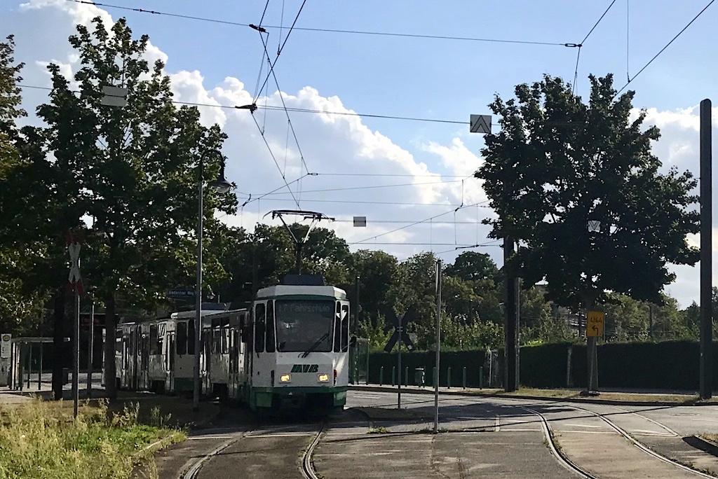 http://www.tram-und-bahnbilder.de/data/media/1741/1286_1287_1.jpg
