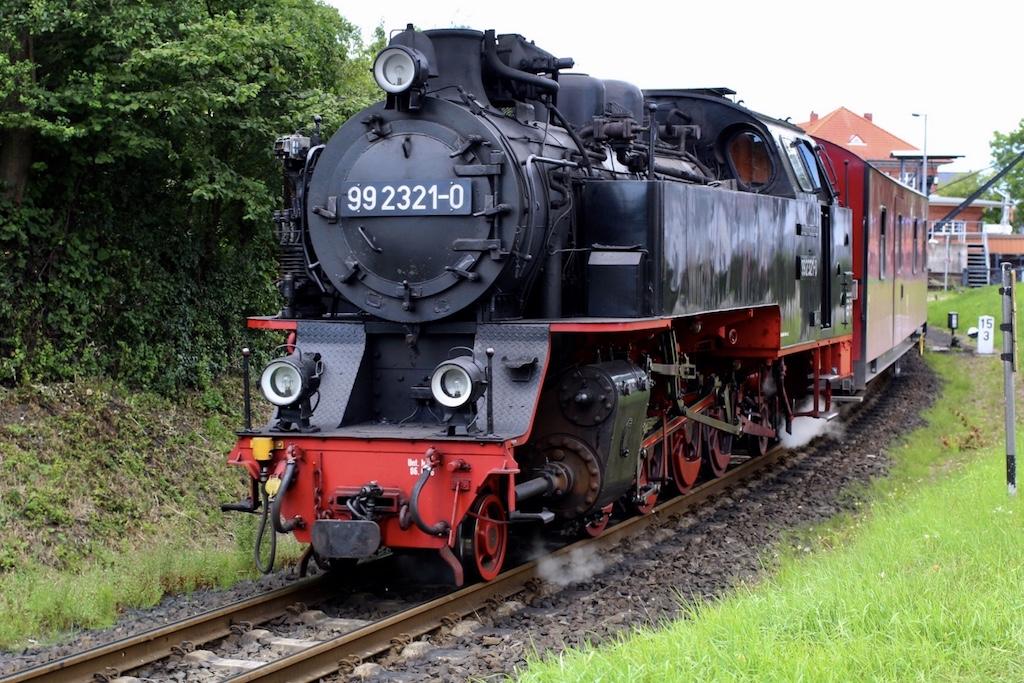 http://www.tram-und-bahnbilder.de/data/media/1742/99_2321_01.jpg