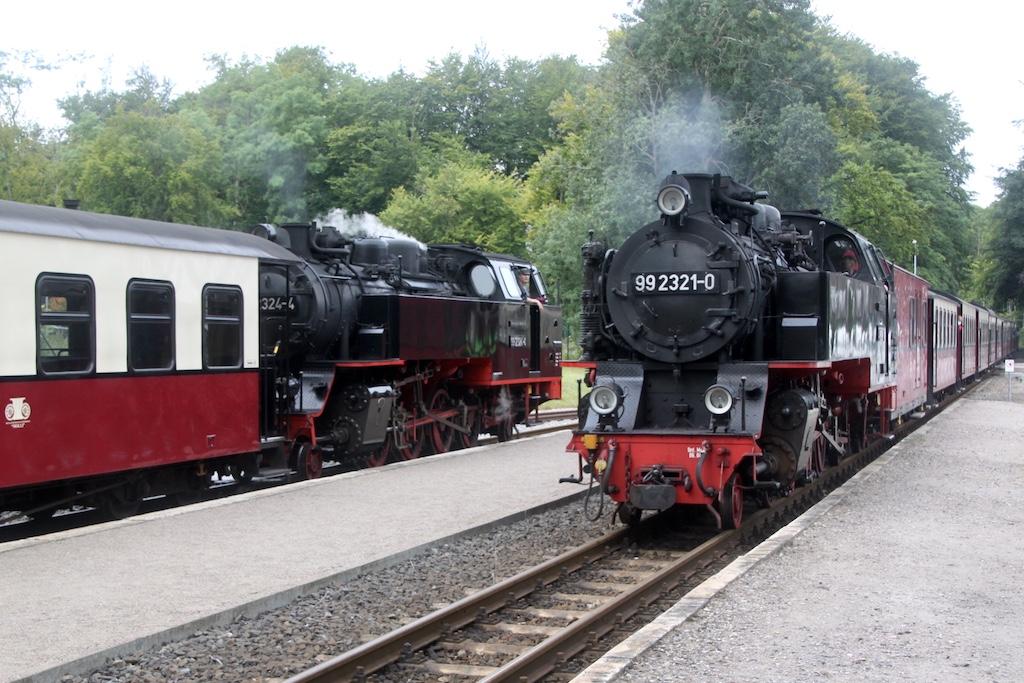 http://www.tram-und-bahnbilder.de/data/media/1742/99_2321_02.jpg