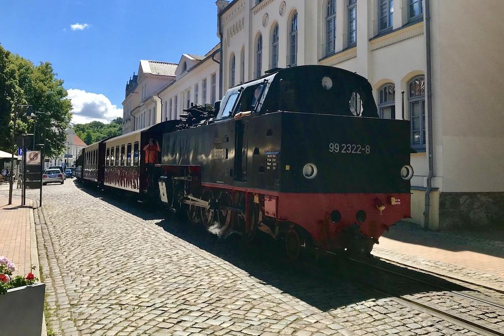 http://www.tram-und-bahnbilder.de/data/media/1742/99_2322_01.jpg