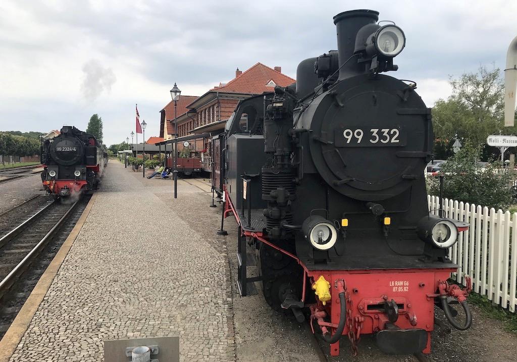 http://www.tram-und-bahnbilder.de/data/media/1742/99_332_01.jpg